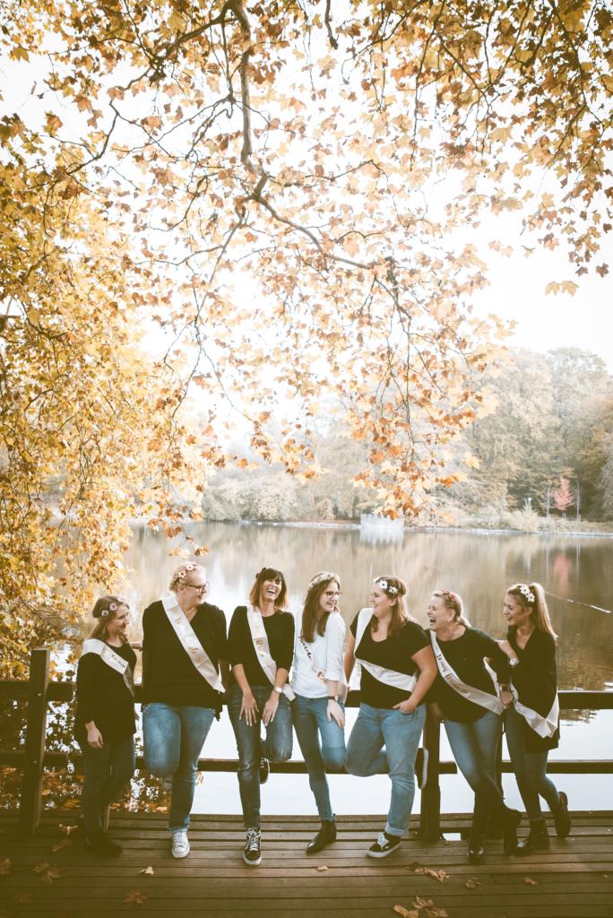 JGA Junggesellinnenabschied cute Love Lieve Freundschaft Friends Freunde Freundeshooting Fotoshooting Fotografwitten Fotografdortmund Bridetobe laugh_01