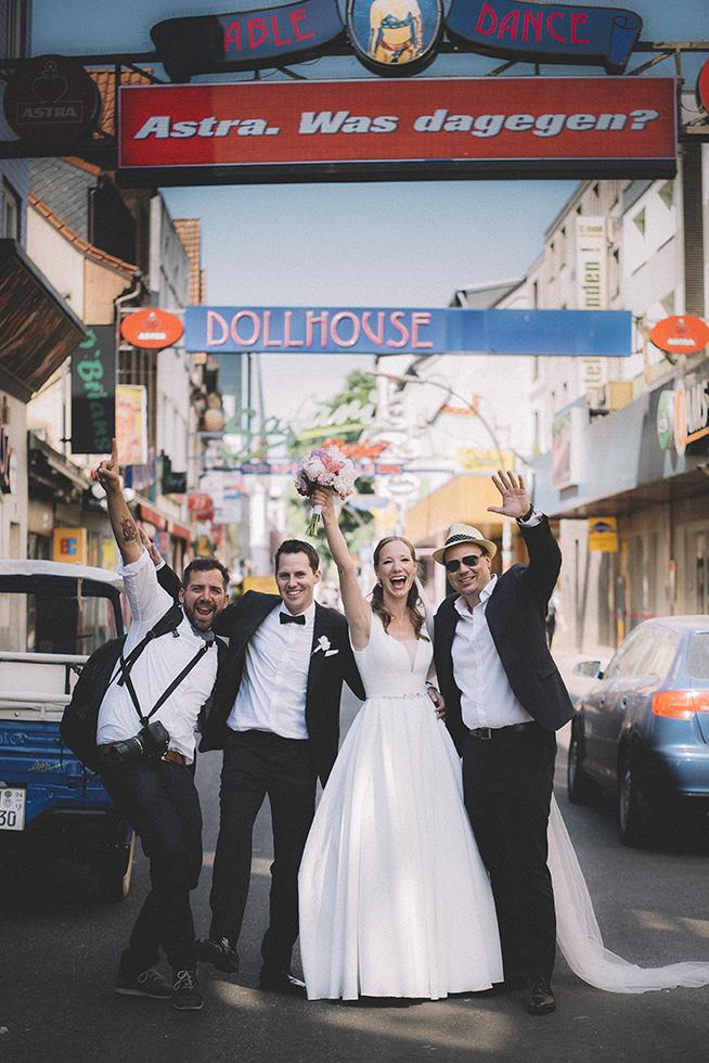 Hamburg Hochzeit HochzeitsfotografReeperbahn Wedding Witen studio152 fokusfabrik web