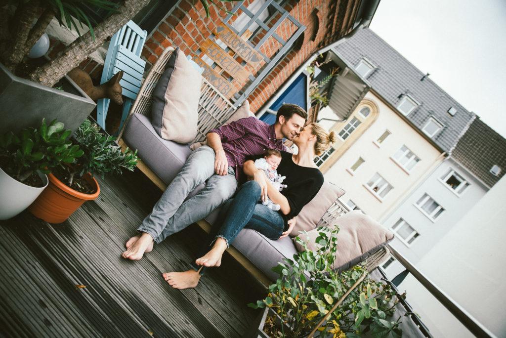 Newborn Fotoshooting Baby Family Homeshooting Love NewSchoolPhotos Witten Dortmund Familienfotografie-5