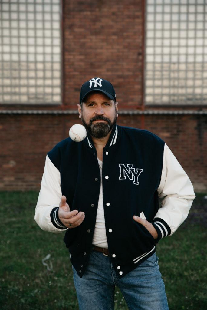 Inspiration Fotoshooting Mann Baseball Ruhrgebiett Industrie Fotoshooting